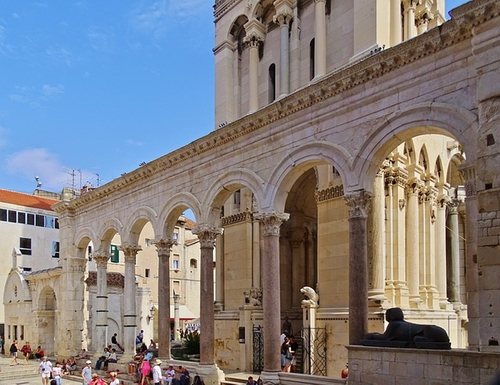 Diocleatian's Palace Split, Croatia in Game of Thrones - Season 4 Episode 4 - Oathkeeper