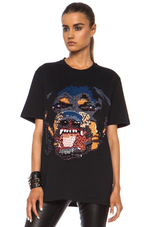 Sequin Rottweiler Cotton T-Shirt by Givenchy in Keeping Up With The Kardashians - Season 11 Episode 11