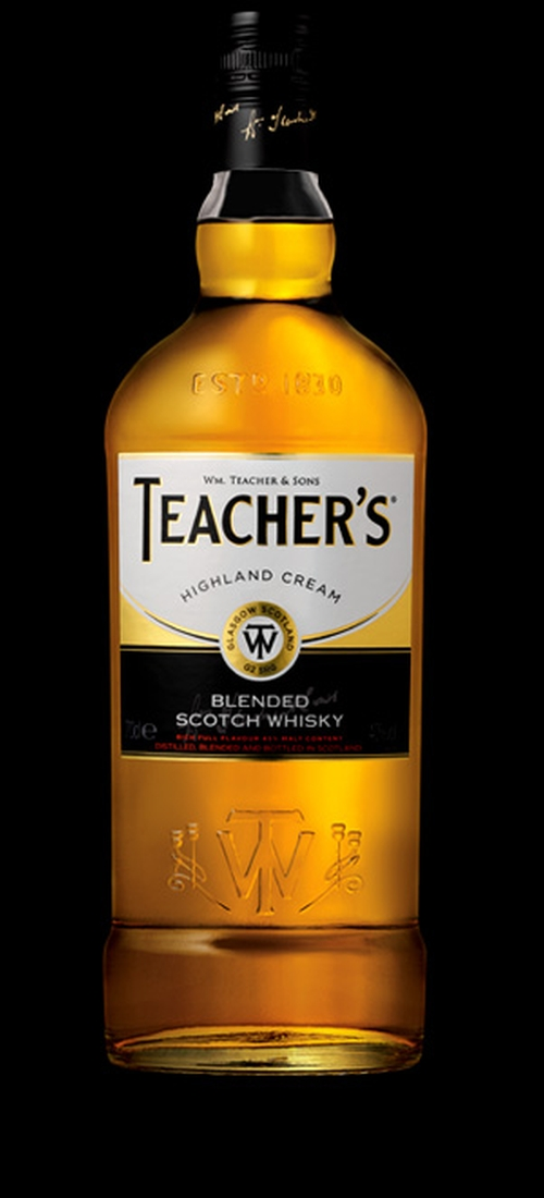 Highland Cream Whisky by Teacher's in Jessica Jones - Season 1 Episode 10