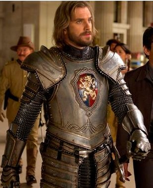 Custom Made Medieval Knight Costume (Sir Lancelot) by Marlene Stewart (Costume Designer) in Night at the Museum: Secret of the Tomb