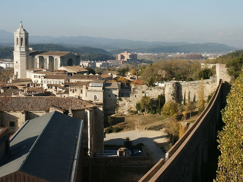 Girona (Depicted as Oldtown, Braavos) Girona, Spain in Game of Thrones - Season 6 Episode 10 - The Winds of Winter
