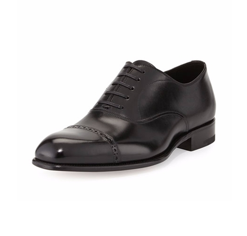 Charles Cap-Toe Oxford Shoes by Tom Ford in Suits - Season 5 Episode 10