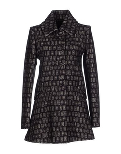 Single Breasted Patterned Coat by Byblos in The Good Wife