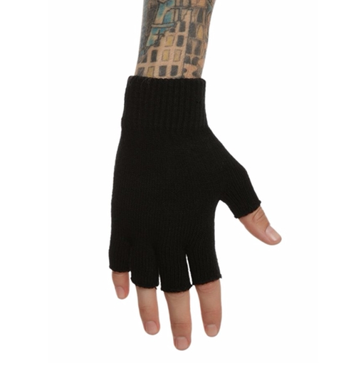 Black Knit Fingerless Gloves by Hot Topic in Jessica Jones - Season 1 Episode 10