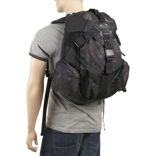 Icon Pack 3.0 Backpack by Oakley in Ant-Man