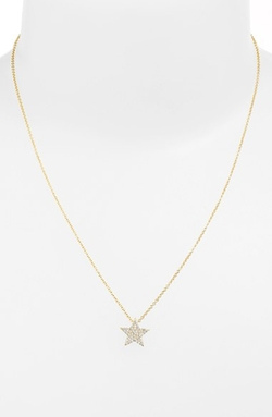 Jewelry Boxed Star Pendant Necklace by Sugar Bean in Pitch Perfect 2