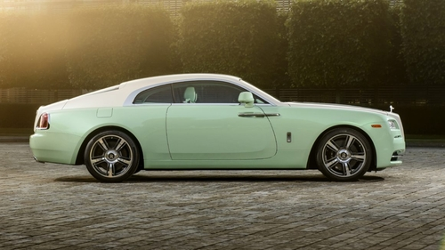 Wraith Coupe by Rolls Royce in Ballers - Season 2 Episode 9