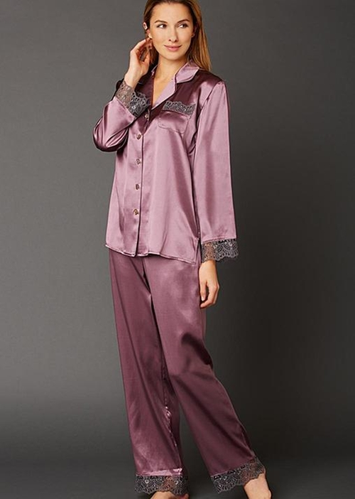 Sleep-In-Silk Pajama by Julianna Rae in How To Get Away With Murder - Season 2 Episode 10