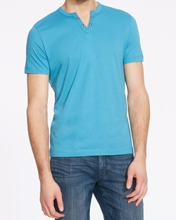 Split V-Neck Henley by Kenneth Cole Reaction in Sharknado 4: The Fourth Awakens