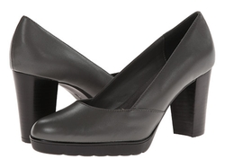 Leather Zari Pumps by Bella-Vita in Spy