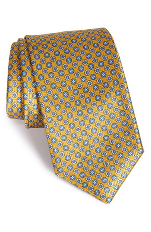 Medallion Silk Tie by Robert Talbott in The Good Wife - Season 7 Episode 3