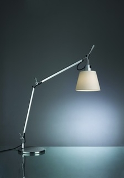 Tolomeo Table Lamp with Shade by Artemide in Ted 2