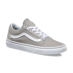 Old Skool Sneakers by Vans in Modern Family