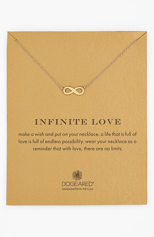'Reminder - Infinite Love' Pendant Necklace by Dogeared in Modern Family - Season 7 Episode 1
