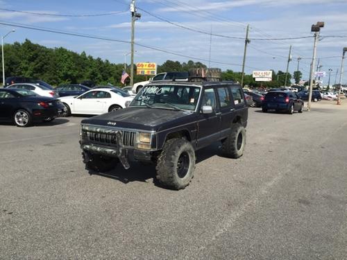 1992 Cherokee Laredo SUV by Jeep in Point Break