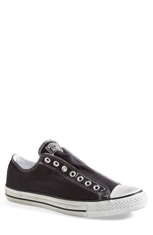 Chuck Taylor All Star Low Sneaker by Converse in Horrible Bosses 2