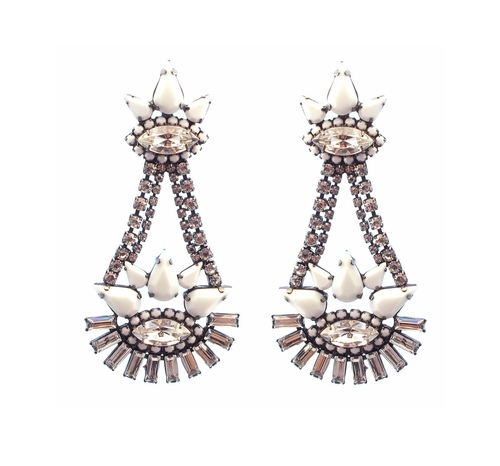 Bryce Earrings by Elizabeth Cole in Gossip Girl - Series Looks