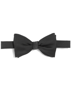 Butterfly Pre-Tied Bow Tie by Brooks Brothers in Pitch Perfect 2