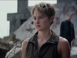 Custom Made Vest 'Dauntless' (Tris Prior) by Louise Mingenbach (Costume Designer) in The Divergent Series: Insurgent