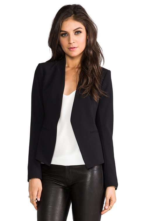 Lanai Blazer by Theory in Quantico - Season 1 Episode 10