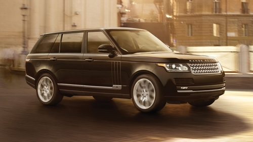 Range Rover by Land Rover in Keeping Up With The Kardashians - Season 12 Episode 3