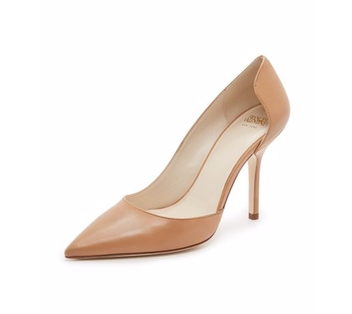 Paola Pumps by Frances Valentine in House of Cards - Season 4 Episode 3