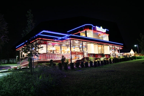 American Dream Diner Orangeburg, New York in Billions - Season 1 Episode 9 - Where the @$%# is Donnie?
