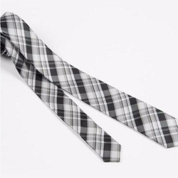 "2"" Black and Silver Woven Skinny Tie by Skinny Ties in New Girl"