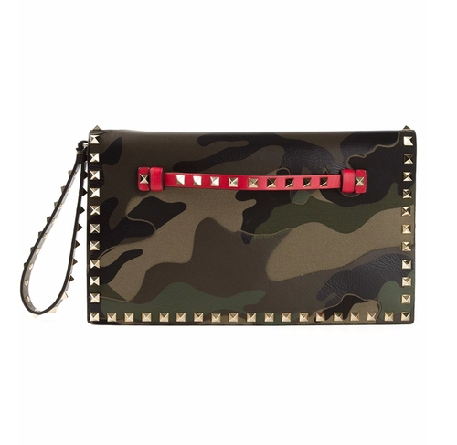 Rockstud Clutch Bag by Valentino Garavani in Keeping Up With The Kardashians - Season 12 Episode 10
