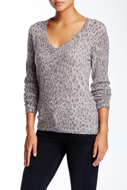 Cecile V-Neck Cashmere Sweater by Equipment in Arrow