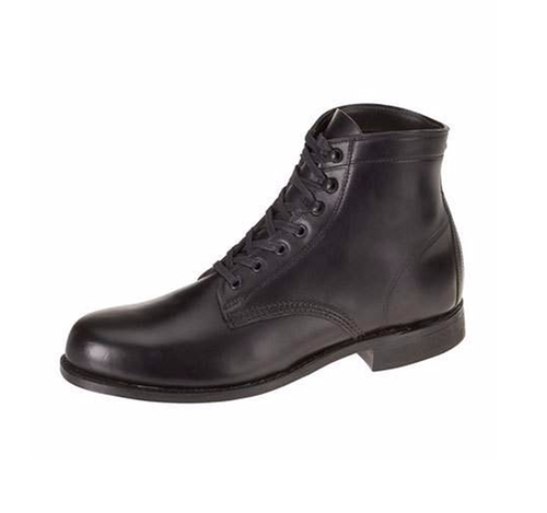 Mile Leather Boots by Wolverine  in Jack Reacher: Never Go Back