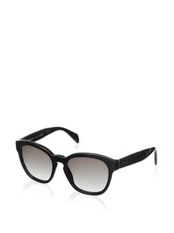 Wayfarer Sunglasses by Prada in The Good Wife