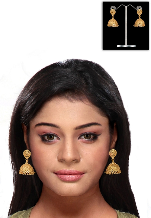 Golden Color Earring by Utsavfashion in The Second Best Exotic Marigold Hotel