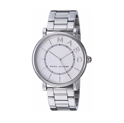 Classic Bracelet Watch by Marc Jacobs in Jason Bourne