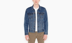 The Trucker Jacket by Levi's in Blow