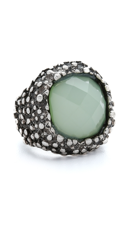 Antique Chunky Stone Ring by Jules Smith in Pretty Little Liars - Season 6 Episode 10