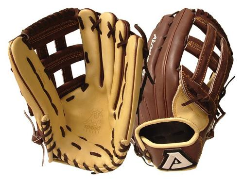 ACM39 Baseball Glove by Akadema Torino in Interstellar