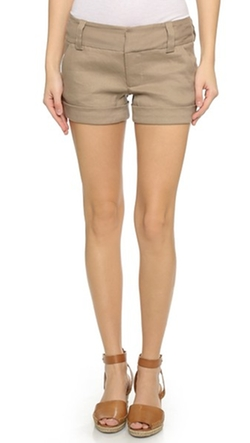 Cady Cuff Short by Alice + Olivia in Pitch Perfect 2