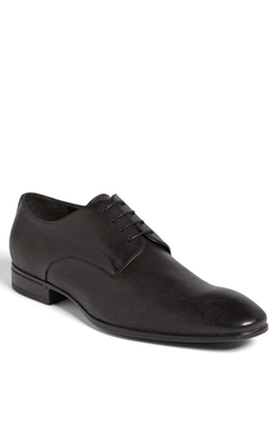 'Vareb' Plain Toe Oxford Shoes by Boss in The Spy Who Loved Me