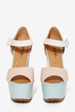 Sorbet Leather Platform Sandals by Nasty Gal in Scream Queens