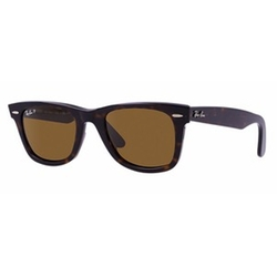 Original Wayfarer Classis Sunglasses by Ray-Ban in Ballers