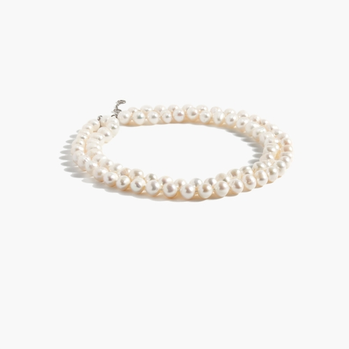 Freshwater Pearl Necklace by J. Crew in Pretty Little Liars