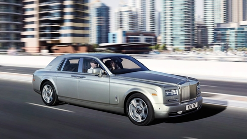 Phantom Car by Rolls Royce in Keeping Up With The Kardashians - Season 11 Episode 13