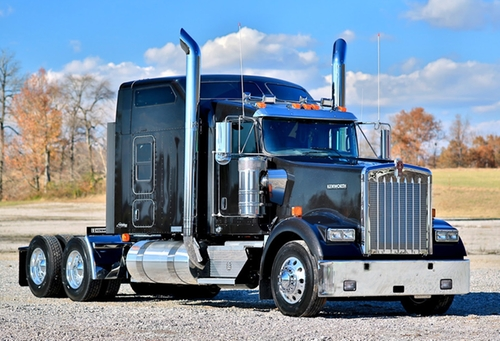W900 Truck by Kenworth in Vacation