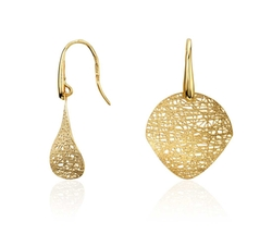 Woven Disc Drop Earrings by Blue Nile in Pitch Perfect 2