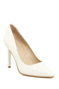 Kaso Leather Pumps by Charles David in The Vampire Diaries