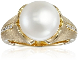 White Ring by Tara Pearls in The Man from U.N.C.L.E.