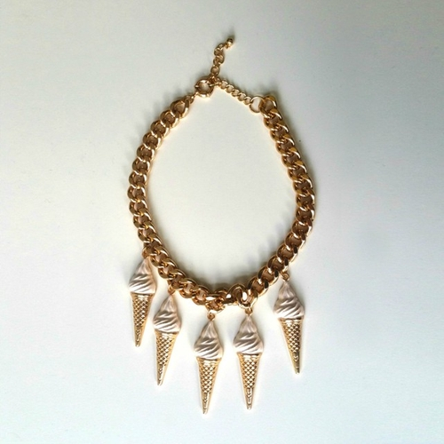 Chunky Ice Cream Cone Necklace by H&M  in Scream Queens - Season 2 Episode 3