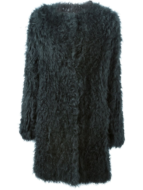 Fur Coat by Meteo by Yves Salomon in Scream Queens - Season 1 Episode 11