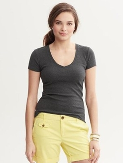 Timeless V-Neck Tee by Banana-Republic in The Twilight Saga: Breaking Dawn - Part 2